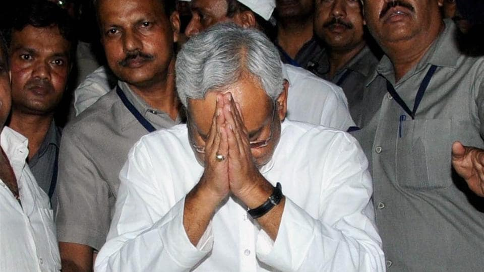 Nitish Kumar has been trending on Twitter, after he pulled out of the Grand Alliance in a shock move.