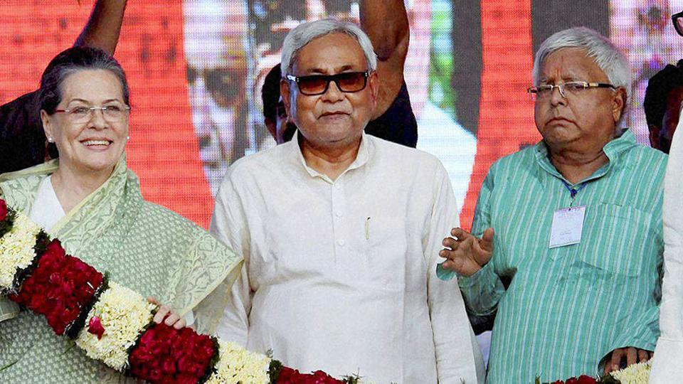 Congress president Sonia Gandhi with Bihar chief minister Nitish Kumar and RJD chief Lalu Prasad, Patna, Bihar (File Photo)