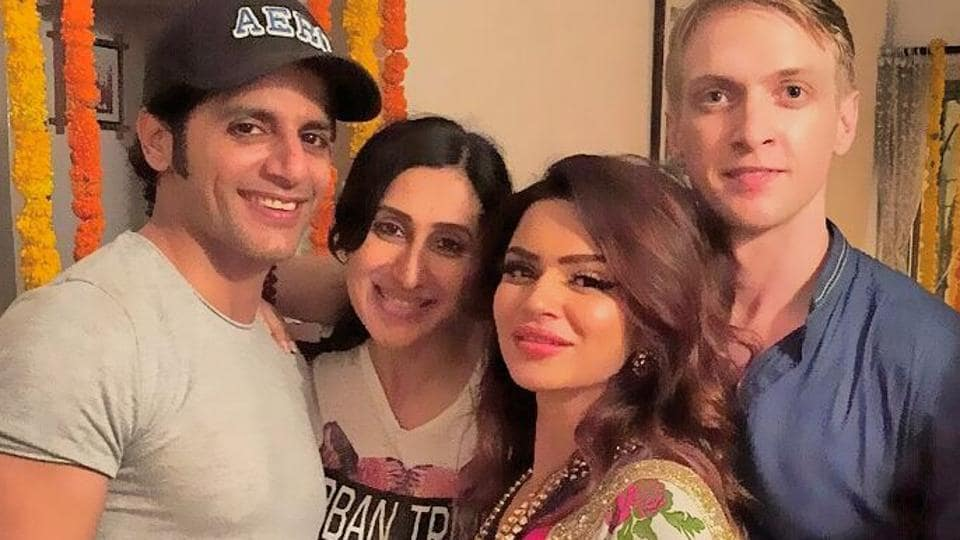 Aashka Goradia and Brent Goble will marry in December.