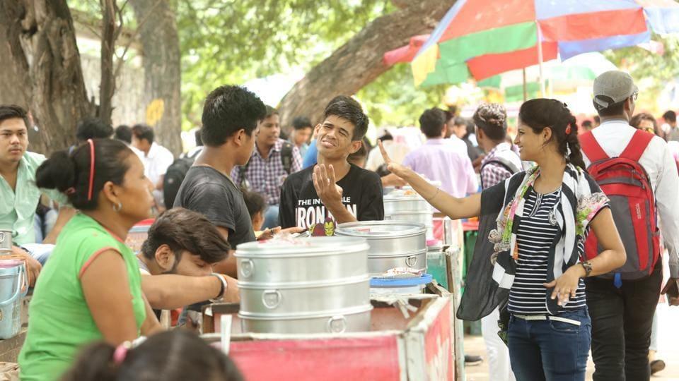 Momos,Chinese Food,Delhi University