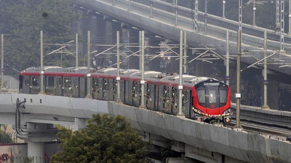 The first run of the metro is expected before August 10.