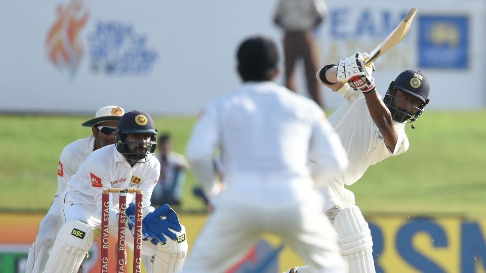 Abhinav Mukund crafted a solid partnership with skipper Virat Kohli. Get full cricket score of IND vs SL, 1st Test day 3 from Galle here.
