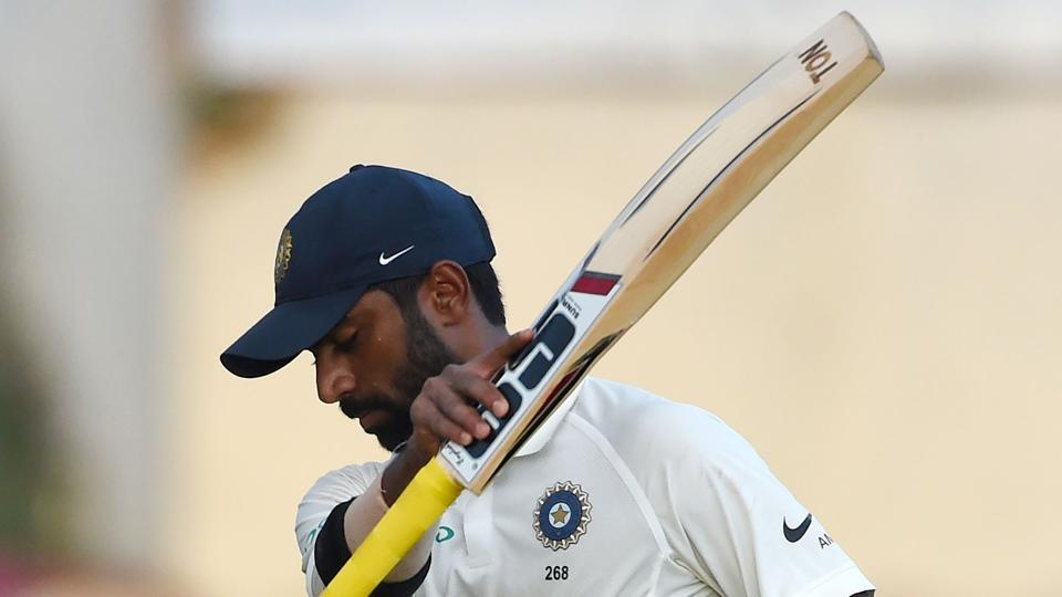 Indian batsman Abhinav Mukund was the last wicket to fall on Day 3, bringing an end to the day's play. (AFP)