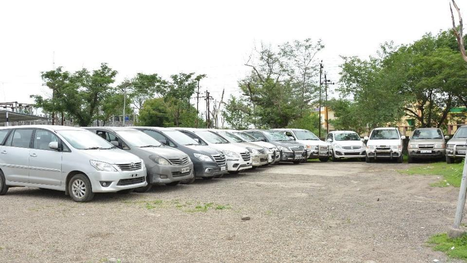 Stolen cars recovered by the police from the three accused.