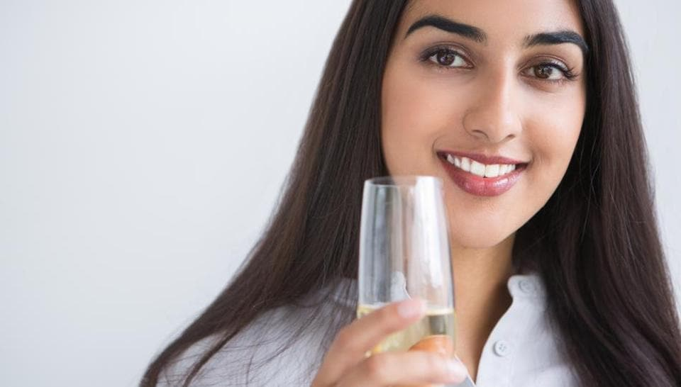 Regarding beverage type, moderate to high intake of wine was associated with a lower risk of diabetes.