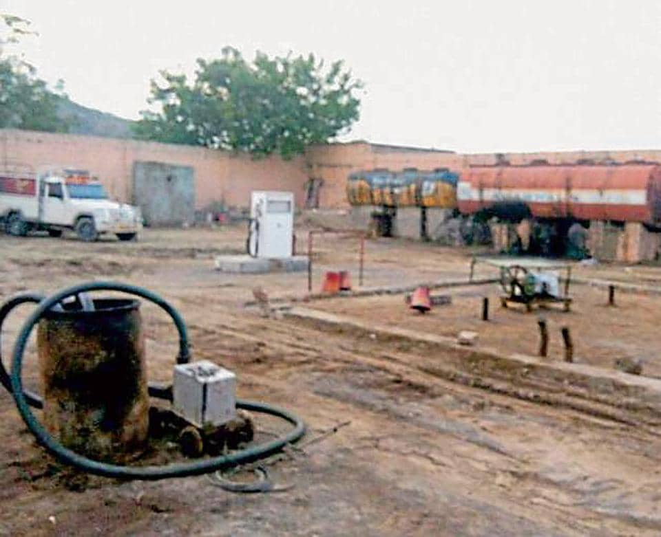 A theft of nearly 15,000-20,000-litre crude worth ₹3 lakh was taking place from the Cairn India's oilfield in Barmer everyday for the past six years, police said.
