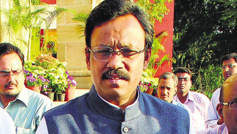 State school education minister Vinod Tawde said the state will not take responsibility for those who still opt for integrated coaching.