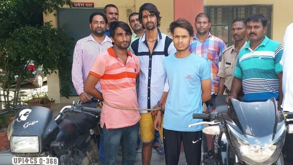 The police recovered two stolen motorcycles, of which they changed the registration numbers and used them in crimes.