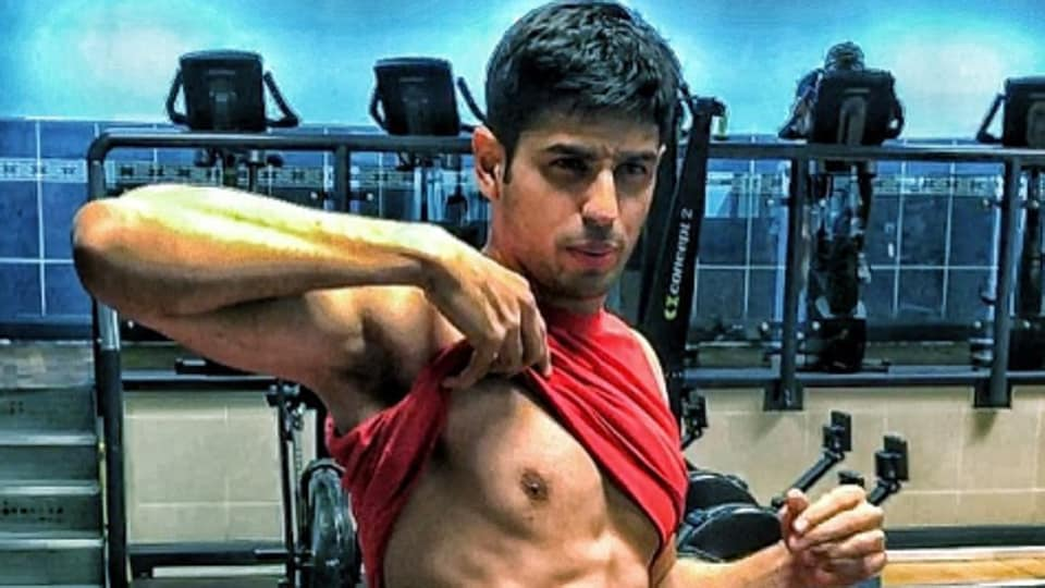 Sidharth Malhotra just changed the way he looked and gets a stamp of approval from fans.