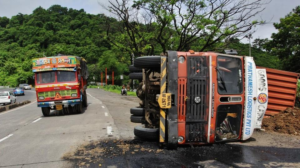 5,834 fatal road accidents took place in Maharashtra between January and June 2017.
