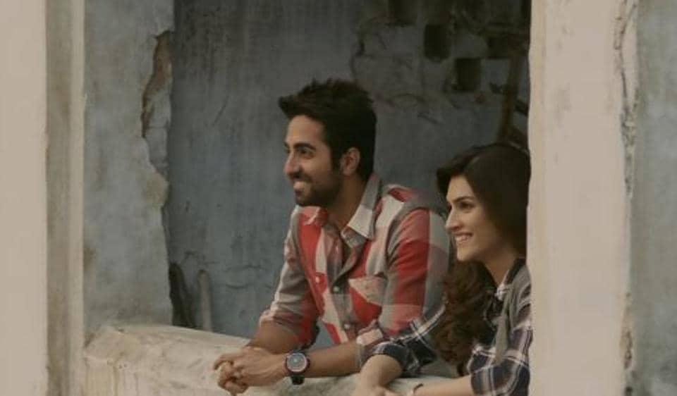 Bareilly ki Barfi Song 'Nazm Nazm' portrays Kriti Ayushmann's sweet romantic chemistry