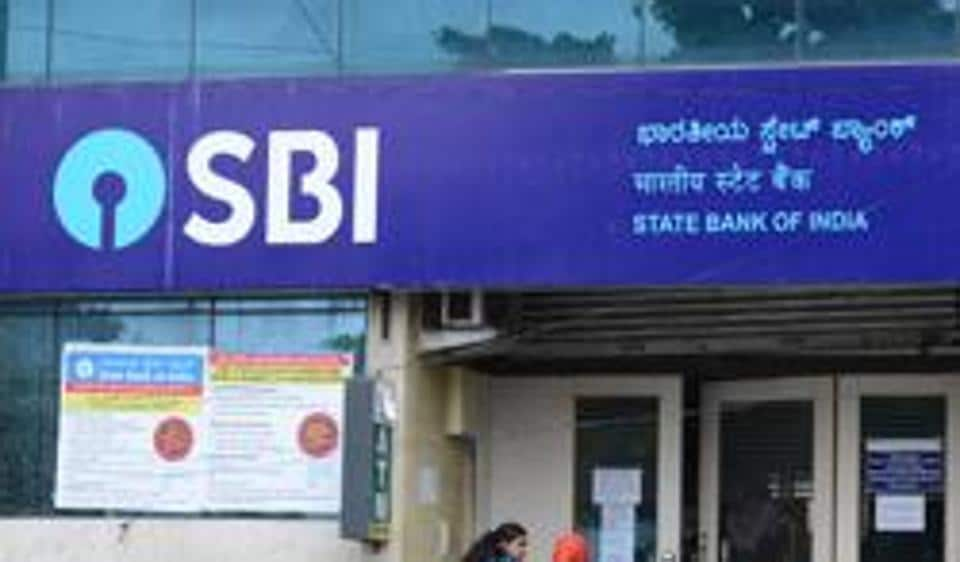 SBI cuts savings account interest rate, banking stocks rise