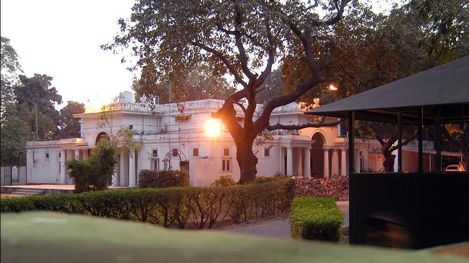 The government moved one step closer to rid its limited living spaces of squatters with the introduction of the Public Premises (Eviction of Unauthorised Occupants) Amendment Bill, 2017. The changes to the law will ensure that ministers, MPs and bureaucrats, don't overstay in government bungalows once their term is over