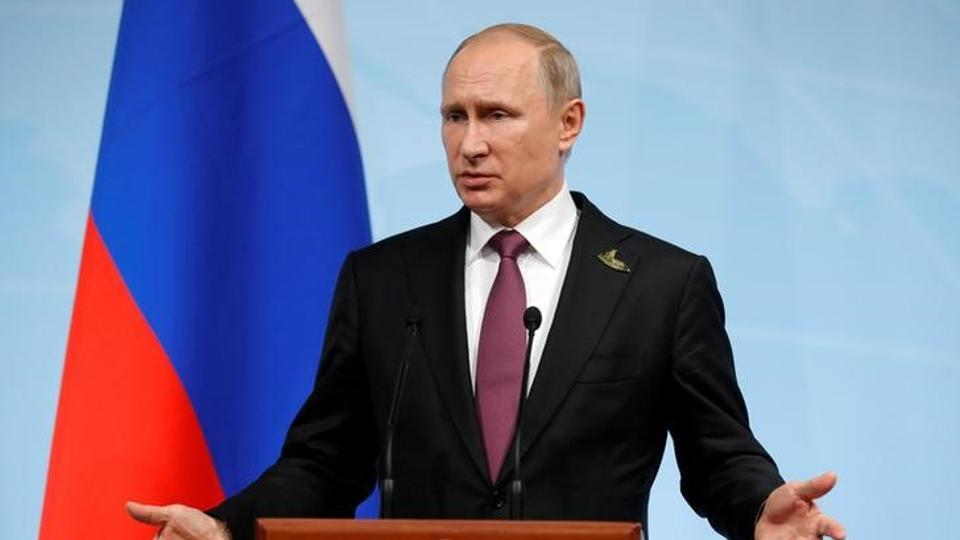 Russian President Vladimir Putin  has signed a law that prohibits technology that provides access to websites banned in the country. (REUTERS File Photo)