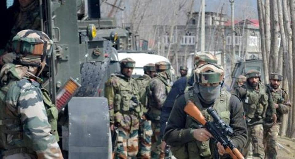 Army soldiers prepare to engage militants in Kashmir.