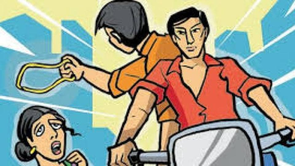 The snatching with a foreigner barely 200 hundred meters away from the Parliament police station and the office of the district DCP has once again proved how bike-borne snatchers are getting bolder and targeting pedestrians at their will even in Delhi's most secured areas.