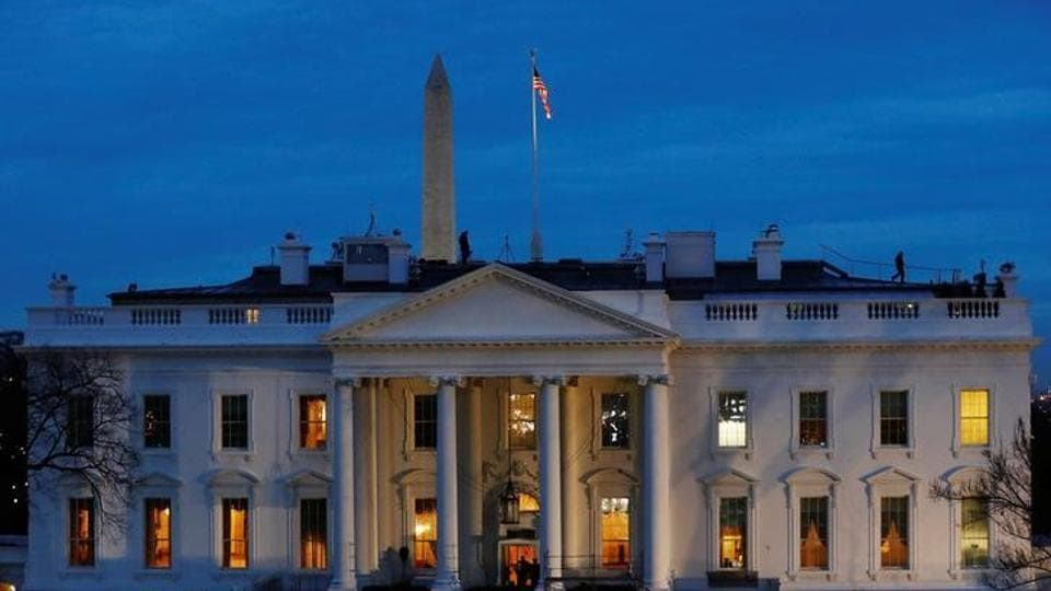 The White House building at 1600 Pennsylvania Ave NW.