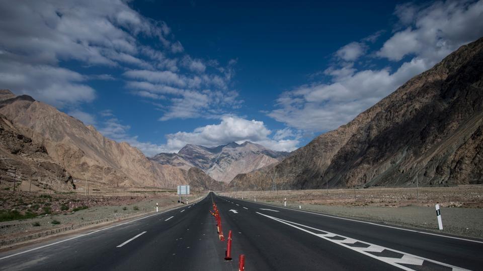 China-Pakistan Friendship Highway,China 'friendship' road,Tashkurgan