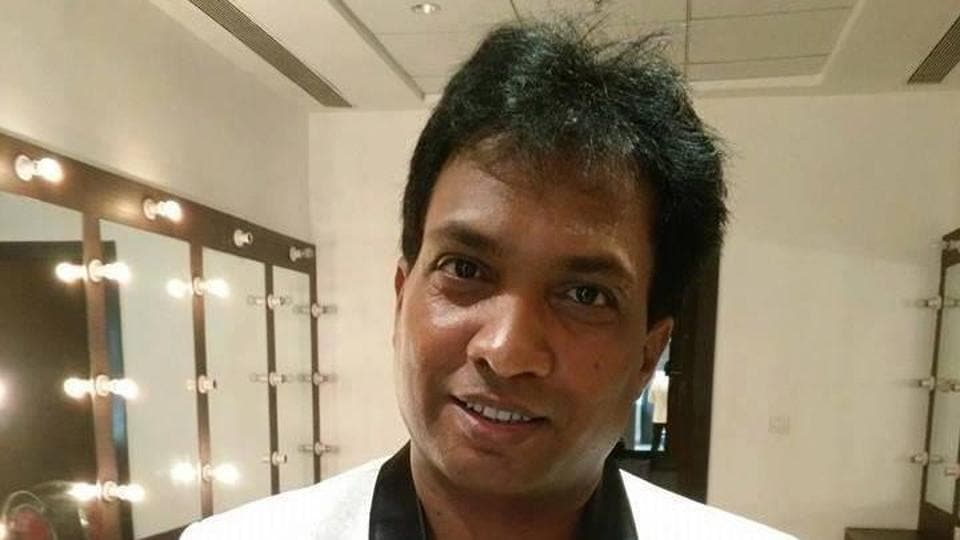 Comedian Sunil Pal has alleged that Anees Bazmee has not paid his dues.