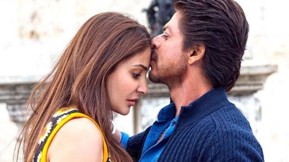 Shah Rukh Khan and Anushka Sharma in a still from Jab Harry Met Sejal.
