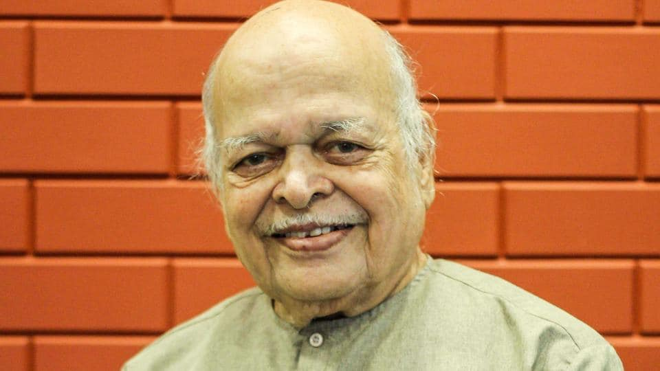 Artist Ravi Paranjape is an eminent illustrator, painter and writer, with an illustrious carrier spanning over 55 years.