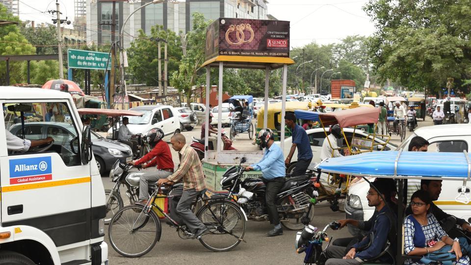 Noida,police,traffic