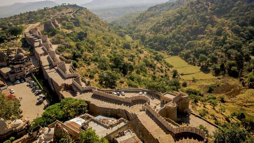 Kumbhalgarh Wildlife Sanctuary takes its name from the nearby Kumbhalgarh fort, which offers a spectacular view of the wildlife reserve.