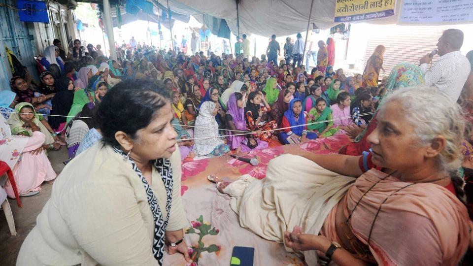 Medha Patkar,Shivraj Singh Chouhan,Sardar Sarovar Project