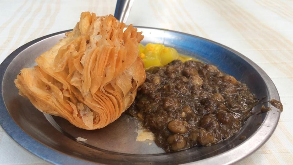 Manohar Dhaba sells other kinds of snacks, too, but is famous for its Japani samosa.