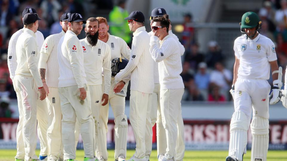 England took nine South African wickets. Catch full cricket score of England vs South Africa, 4th Test, Day 2 in Manchester here.