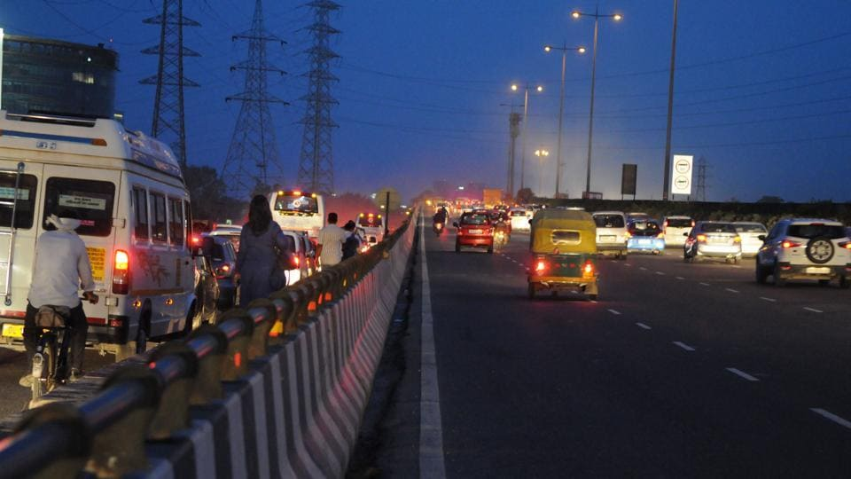 There are 12 such towers (electricity poles) to the left of the NH-8 near Iffco Chowk, if one is going from Delhi to Gurgaon.