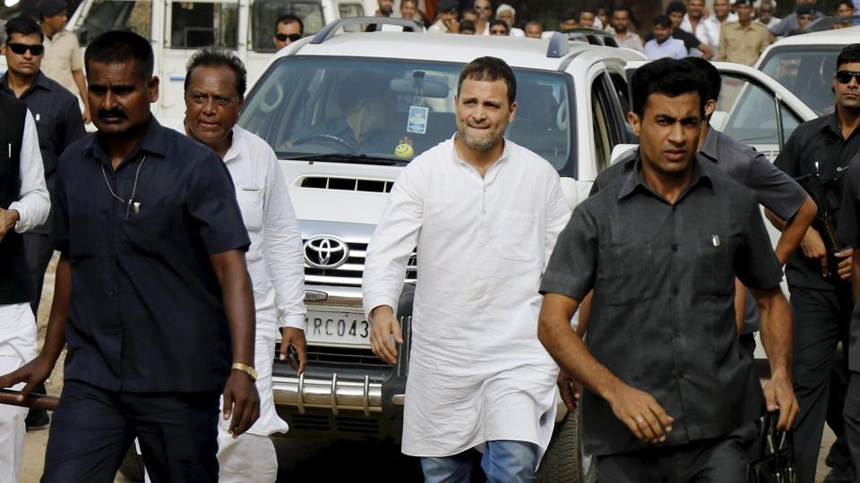 Congress' Rahul Gandhi on a visit to the flood-affected areas of Runi village in Banaskantha district of Gujarat.
