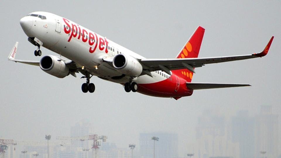 SpiceJet,SpiceJet pilot,Boeing 737