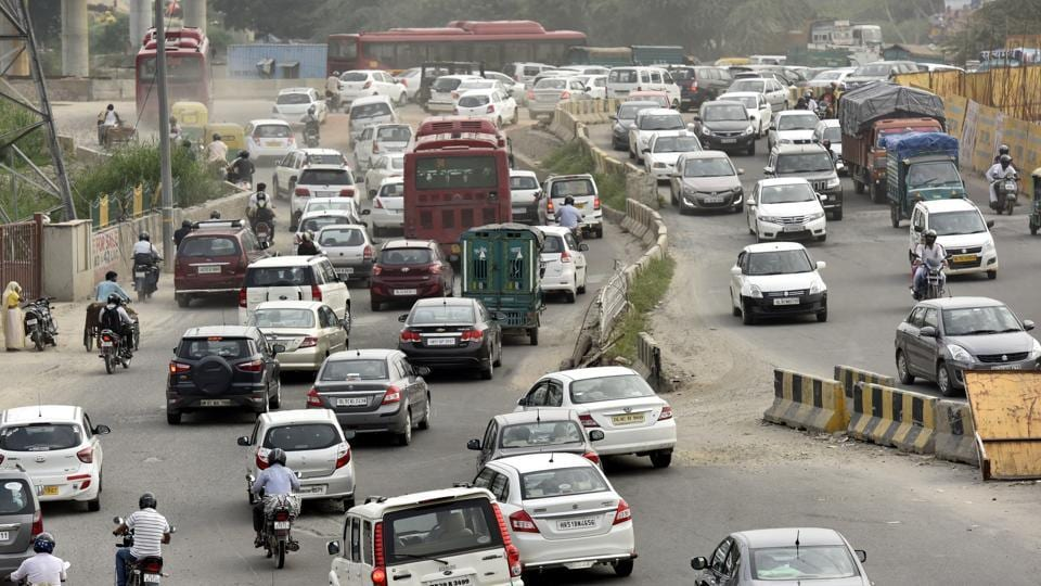 A snarl near Mahamaya flyover on Saturday. Police said congestion is mostly seen on roads leading to Delhi.