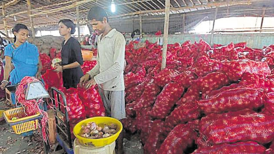 Wholesale markets are selling onions at Rs20-Rs26 a kg.