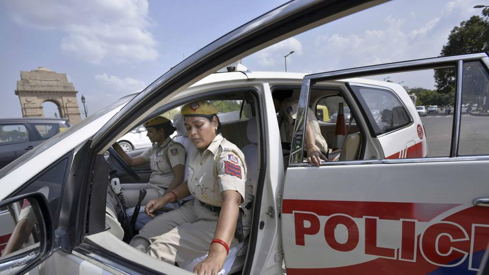 New Delhi, India – September. 12, 2016: Currently, there are 20 women police personnel who have been trained for the job and plans are afoot to train more. As of now, they will work in one shift- 9 am to 5pm, Delhi Police officers said. September 12, 2016. (Photo by Arun Sharma/ Hindustan Times)