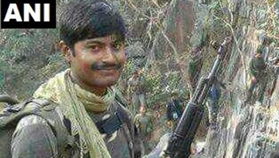 Yugal Kishore Verma, the sub-inspector, was killed, while constable Krish Sahu sustained injuries.