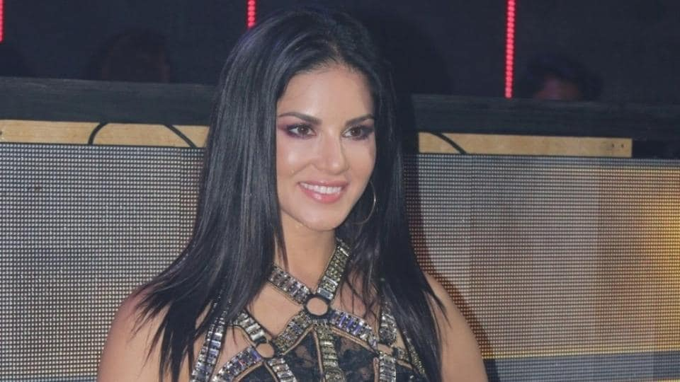 Sunny Leone on the set of her upcoming music video shoot Loka Loka  in Mumbai.