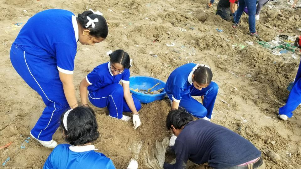 Over the weekend, which was the 97th week of the exercise, more than 100 students and 250 volunteers cleared 1.6lakh kg trash. A total of 6 million kg trash has been cleared from Versova beach since October 2015.