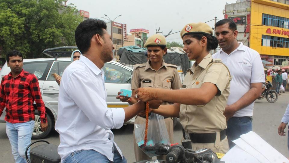 Over a 1,000 violators had rakhis tied on their wrists between 10am and 1.30pm on Monday morning as part of the special campaign launched by the Gurgaon police and Road Safety Organisation.