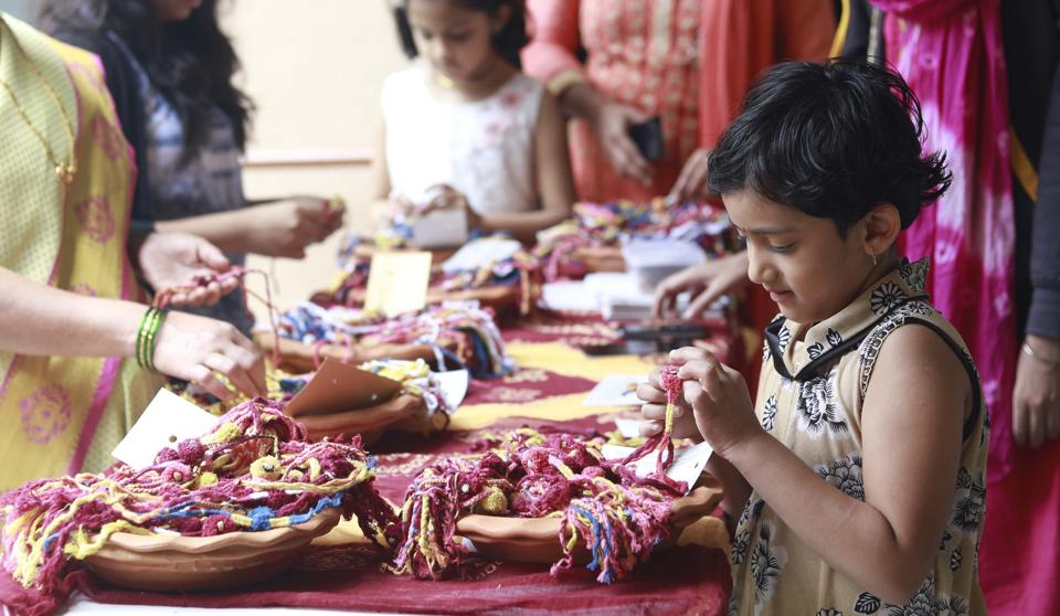 For kids, celebrating Raksha Bandhan is also like a day out. (Rahul Raut/HT PHOTO)