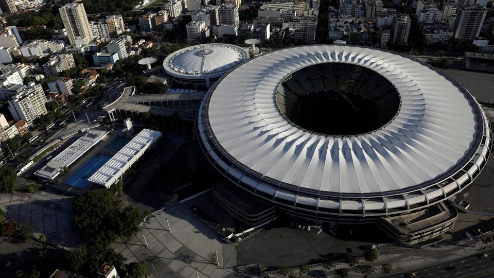 A birds eye view of the iconic Maracana stadium, one of the world's greatest footballing arenas lies abandoned following dispute which mostly involved bureaucratic blame games.  (Ricardo Moraes/REUTERS)