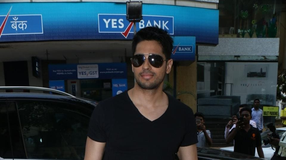 Sidharth Malhotra spotted at Kitchen Garden, in Mumbai.