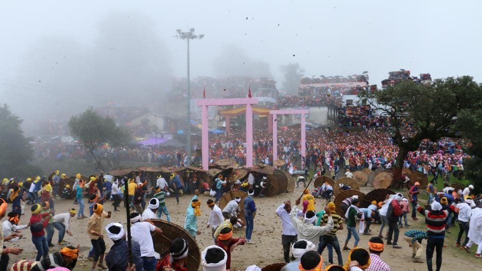 Uttarakhand,Bagwal fair,stone and fruit pelting