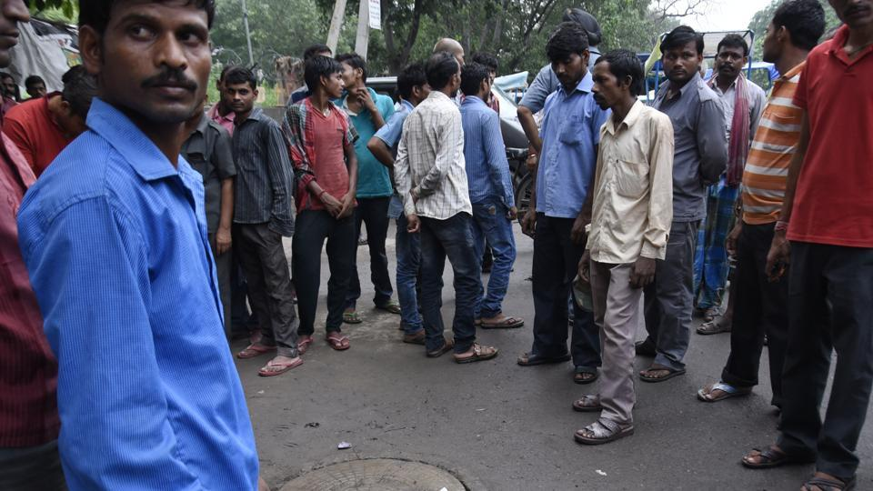 Three sanitation workers lost their lives in a sewer at Jal Vihar in New Delhi on Sunday.