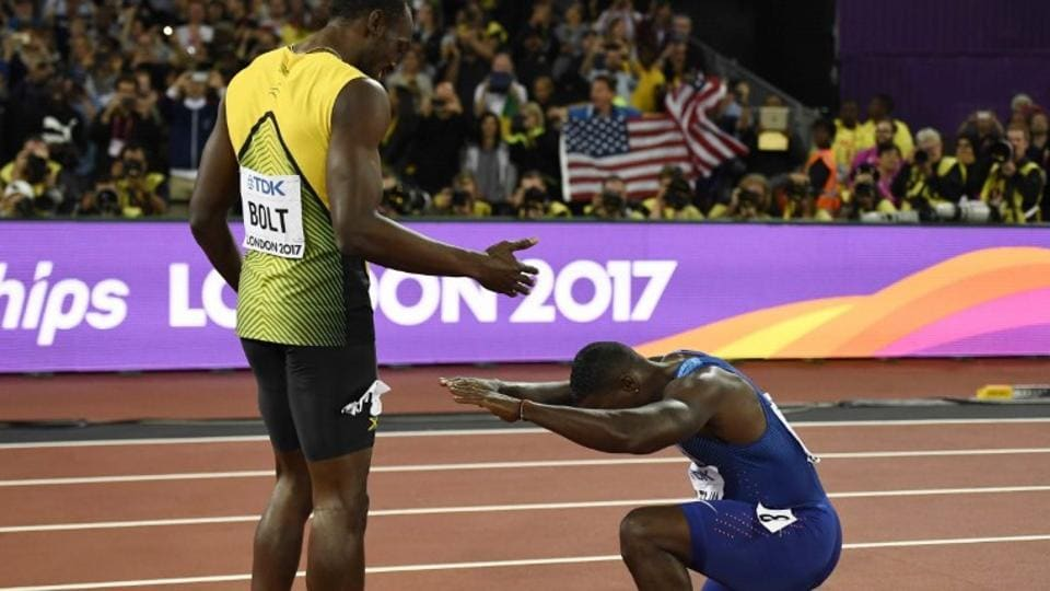 Justin Gatlin bows to third placed Usain Bolt of Jamaica after winning the 100m final at the IAAF World Championships of Athletics in London on Saturday. It was Bolt's last solo 100m race. He will return to the track in the 4x100 metre relay next weekend. (Reuters)