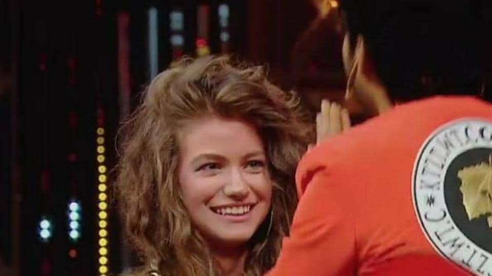 Dytto is an international dancer and model.