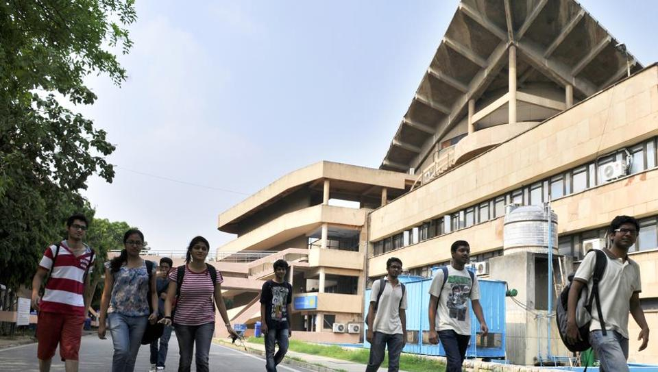 Students at IIT Delhi campus in New Delhi, India, on Friday, September 12, 2014. (Photo by Saumya Khandelwal/ Hindustan Times)