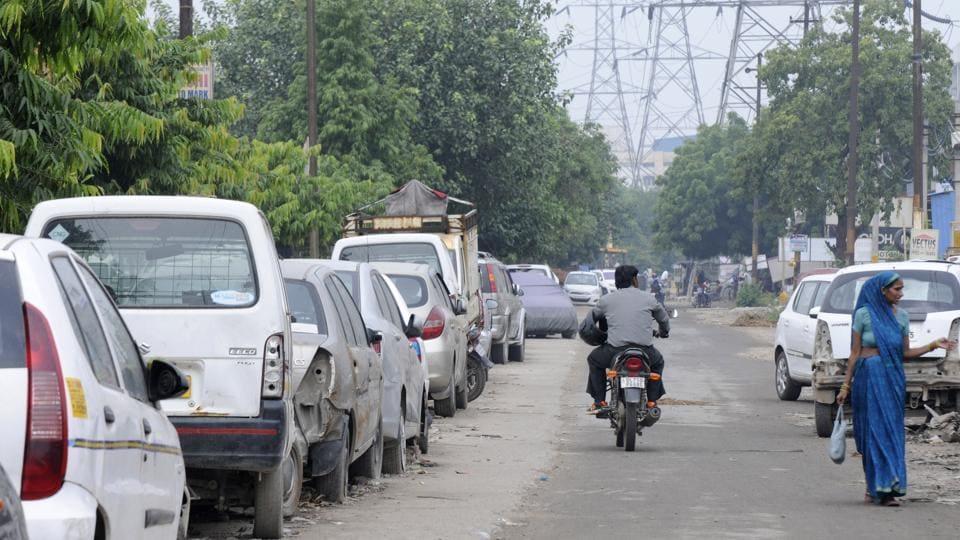 Encroachments in Noida,Sector 66 traffic signal,Mamura village