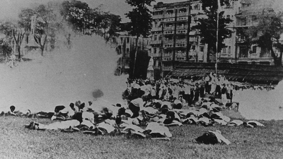 Isolated incidents of violence broke out around the country but the British acted quickly, arresting thousands of people and imprisoning them until 1945. The British also abolished civil rights, freedom of speech and the freedom of press during the Quit India Movement. (HT Photo)